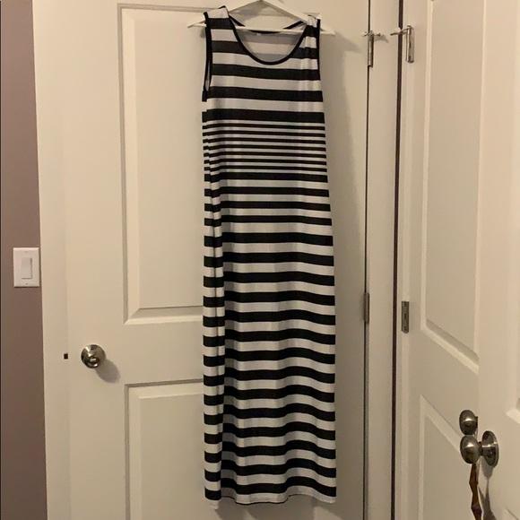 Like new . Stretch maxi dress.